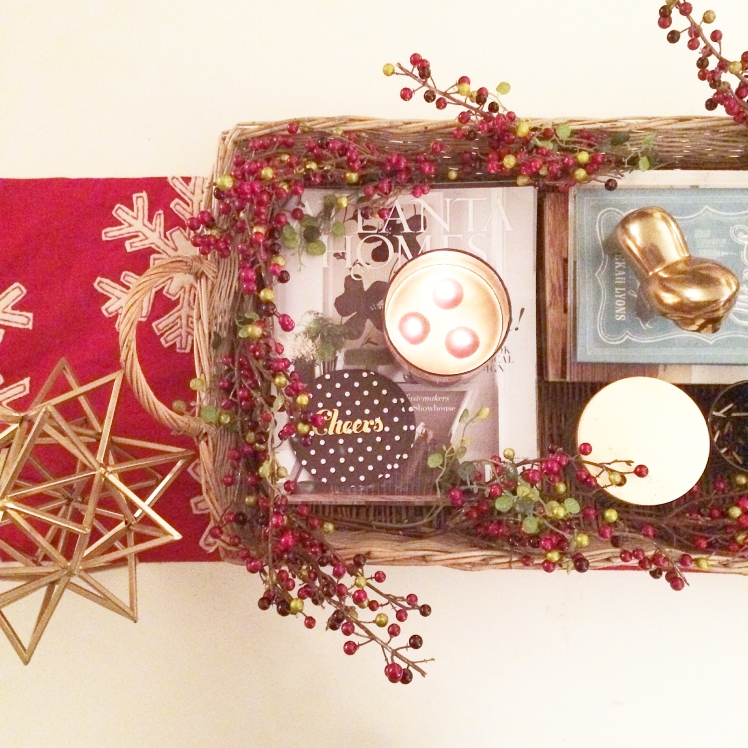 amandamacyhall coffee table holiday style
