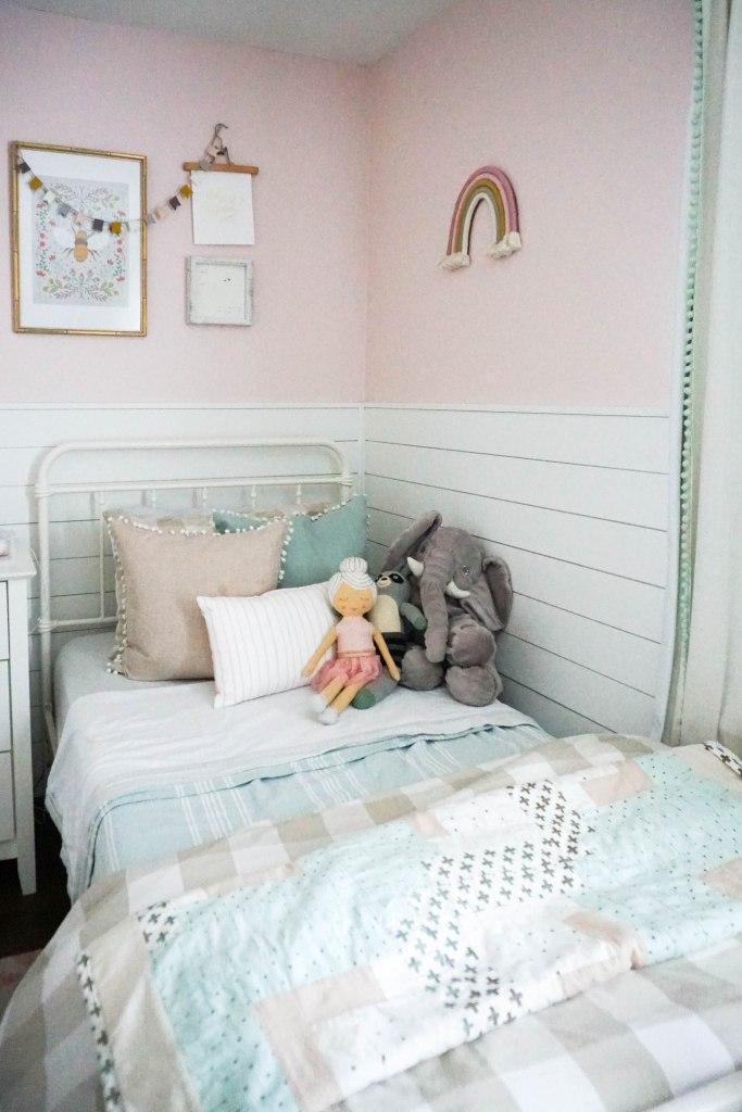 Amanda Macy Hall Toddler Girl Room Organization - bed